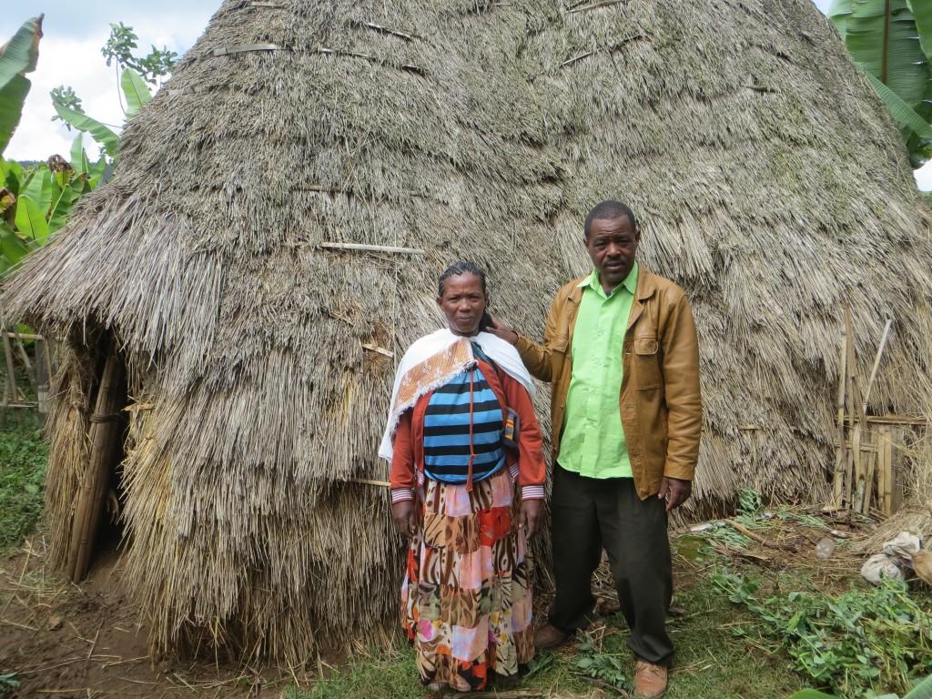 Et etiopisk ektepar gjør seg klar til å ta imot overnattingsgjester fra Use Your Talents-programmet.