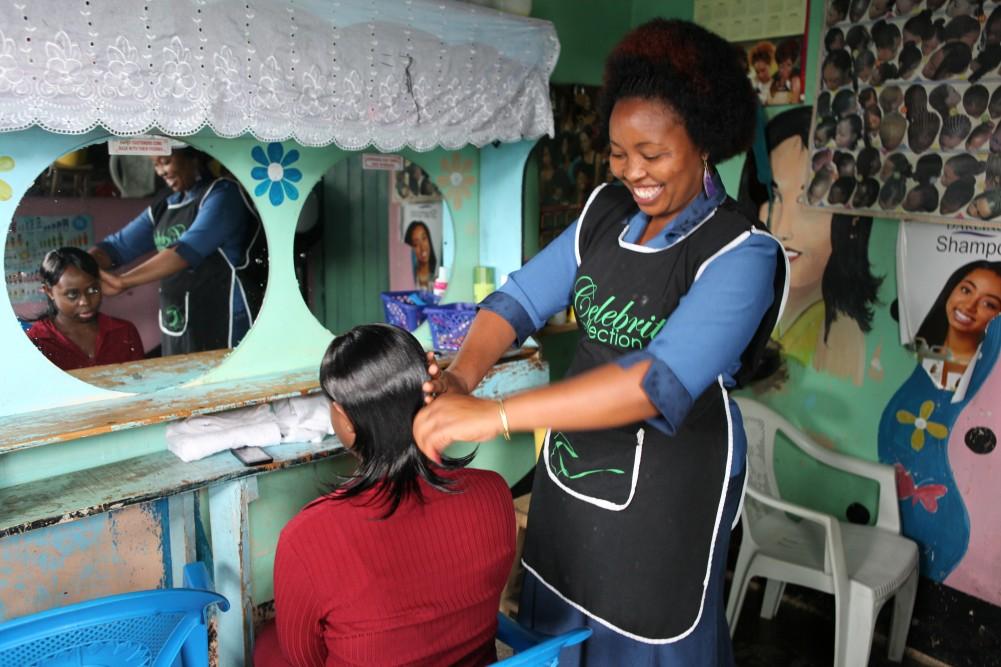 Mary Wahome gir kundene det de ønsker. Selv ønsker hun en ekstra inntektskilde for å få barna gjennom universitetet.